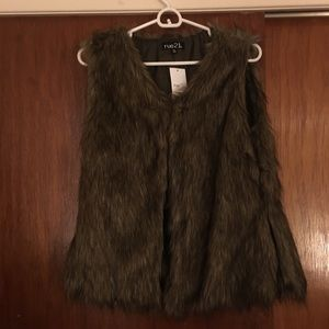 NWT Brown Faux Fur Vest from rue 21, Size Large